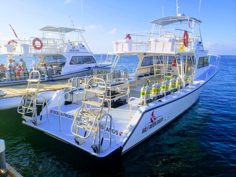 Limo-Style Luxury Dive Boats: Sparrowhawk, Gun Bay and Half Moon Diver